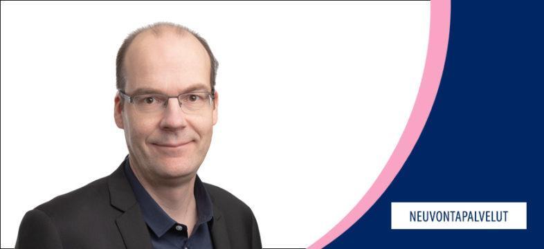 Jukka Säikkälä, ulkomaankaupan määräysten asiantuntija, Helsingin seudun kauppakamari