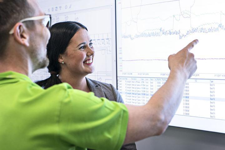 KoulutusOnlinen mukaansa tempaavat ja vaihtuvat kouluttajat sekä monipuolinen koulutussisältö saavat Valmetin henkilöstöltä erityiskiitokset.